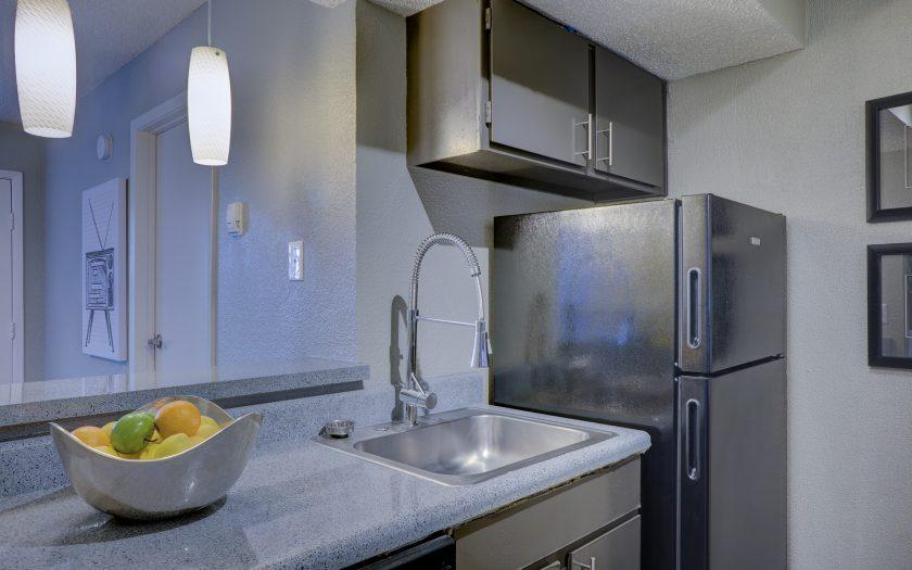 Kühlschrank in einer Küche